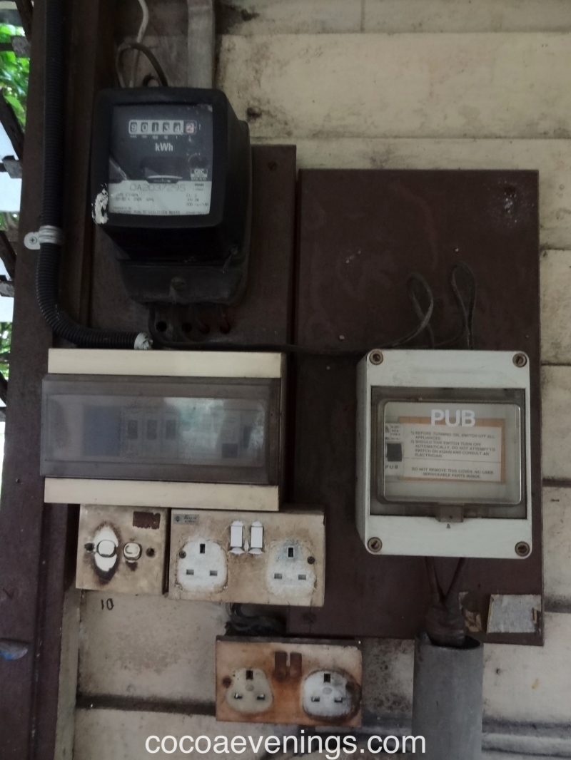pub electricity box three pin plug powerpoint ktm malaysia singapore railway