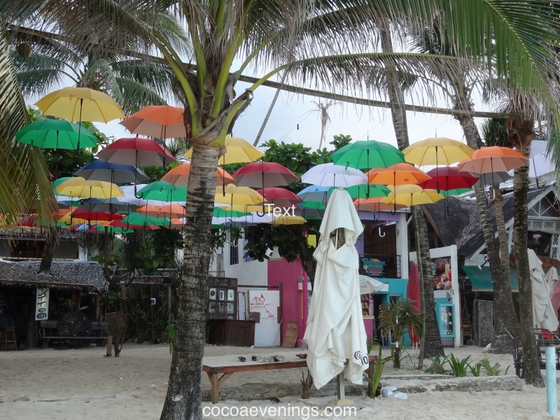 white-cape-under-umbrella-bali-DSC01341
