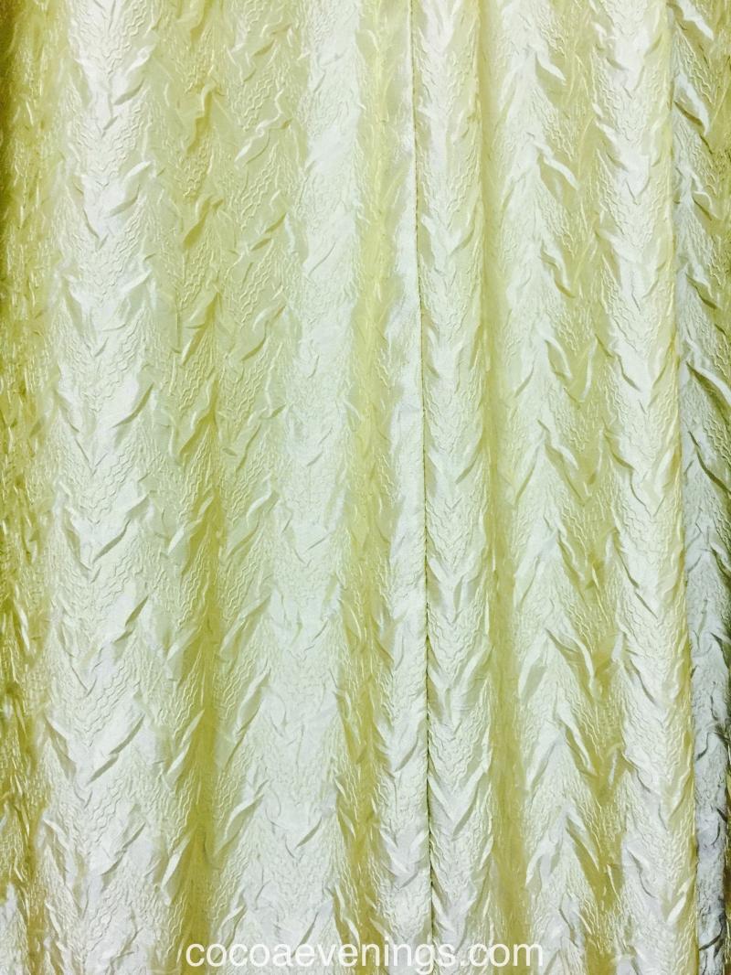 curtain-pattern-gold