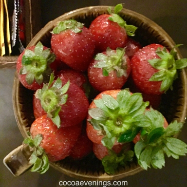 strawberries-bali-mountain-top-fresh-IMG-0626