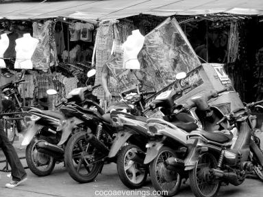 motorcycles-in-Bangkok-Thailand-IMG_4678-2