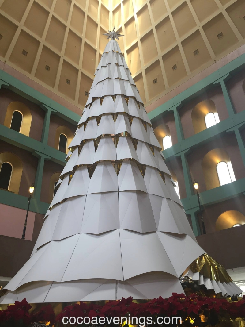 millennia-walk-indoors-christmas-tree-2015