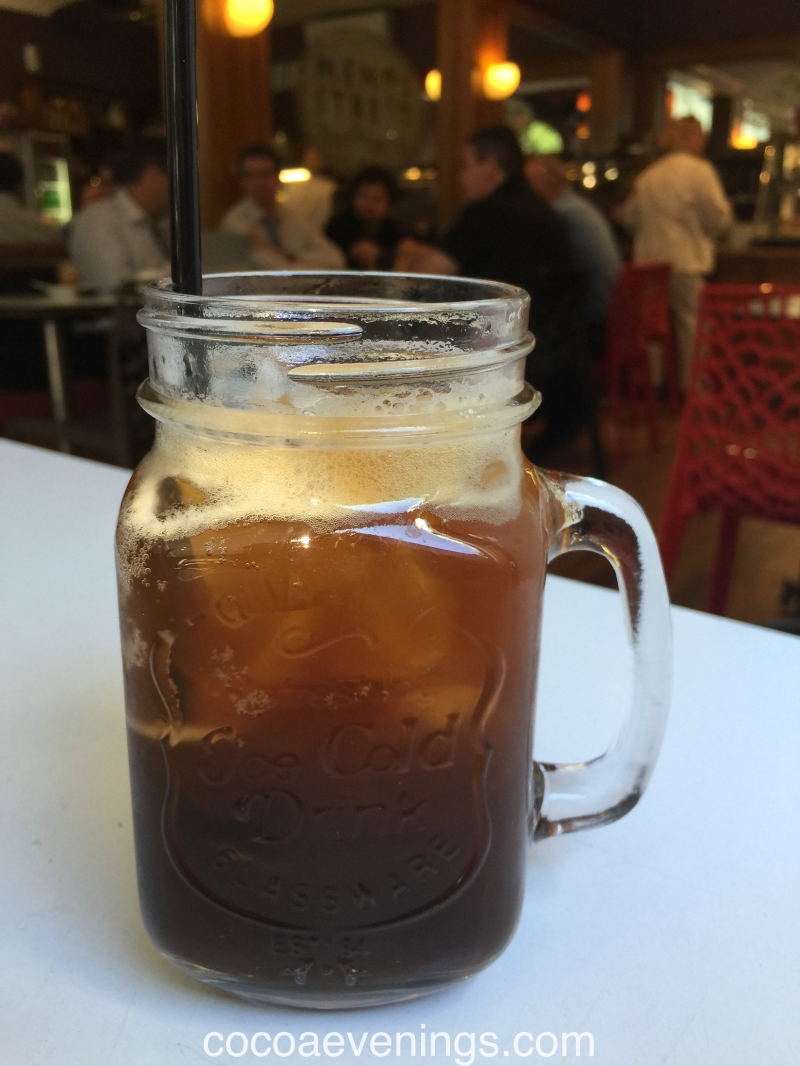 ice-coffee-and-the-crowd-2015-12-11_07-38-37