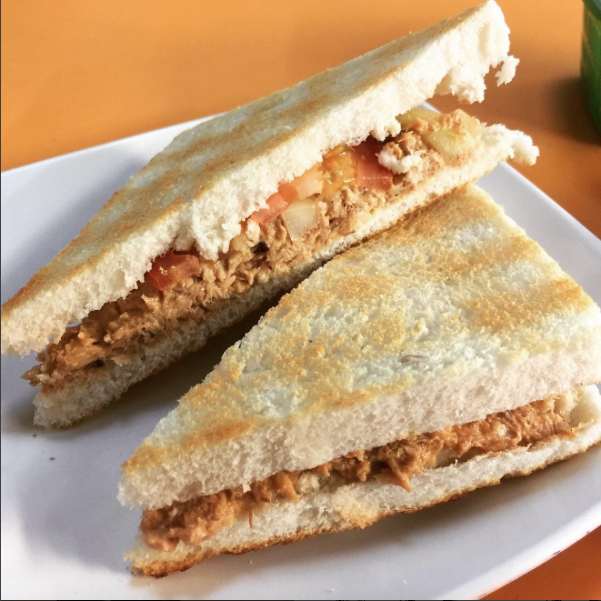 tuna-tomato-toasted-sandwich